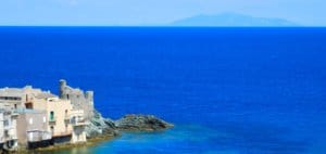 Production d'huiles essentielles dans le Cap Corse