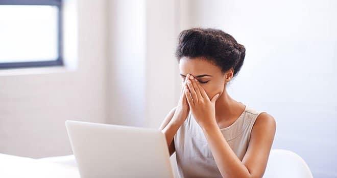 Votre corps exprime votre stress. Comment utiliser les huiles essentielles pour lutter ?