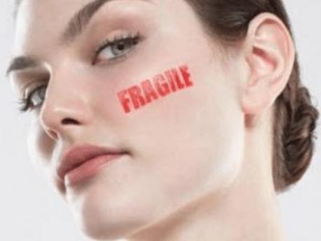 Quel gommage visage pour une peau fragile, sensible et réactive